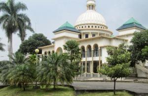 masjid-tarbiyah-uin-malang.jpg